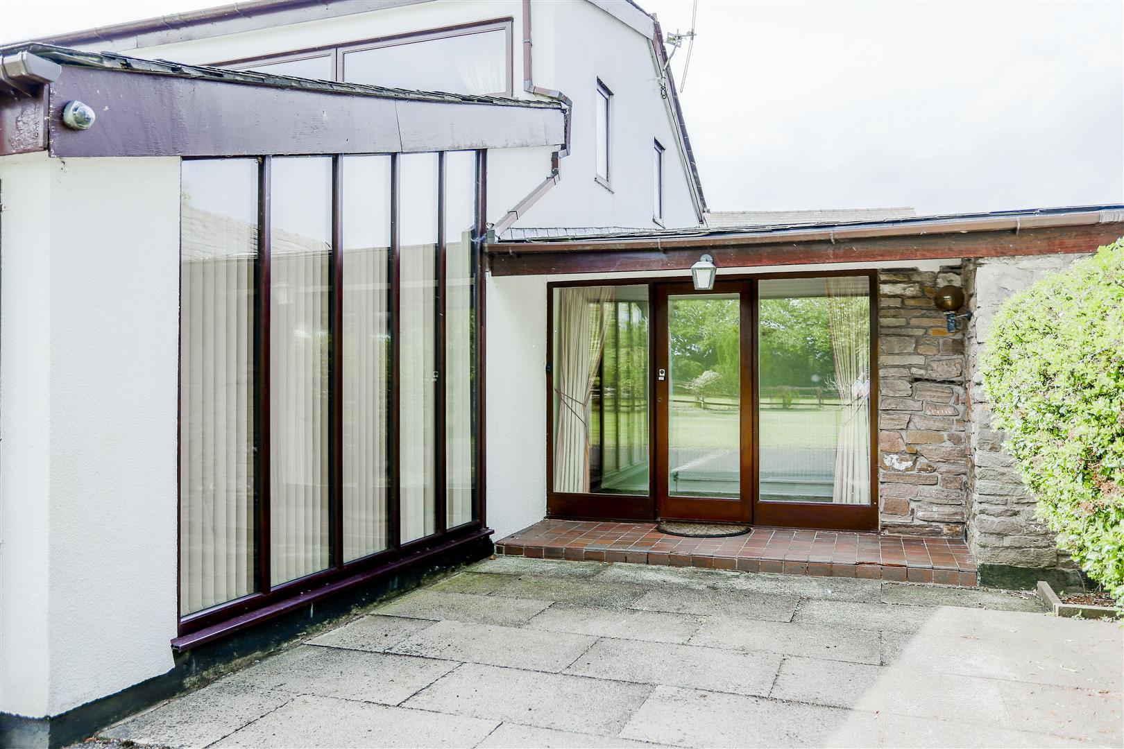 5 Bedroom Farmhouse For Sale - 34.JPG
